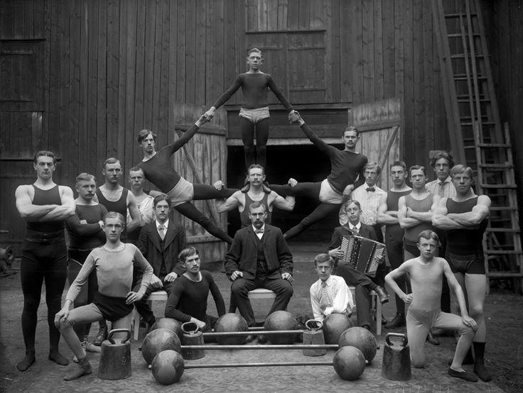 Örebro Athlete & Gymnastic Club,   Photo: Sam Lindskog - 1911