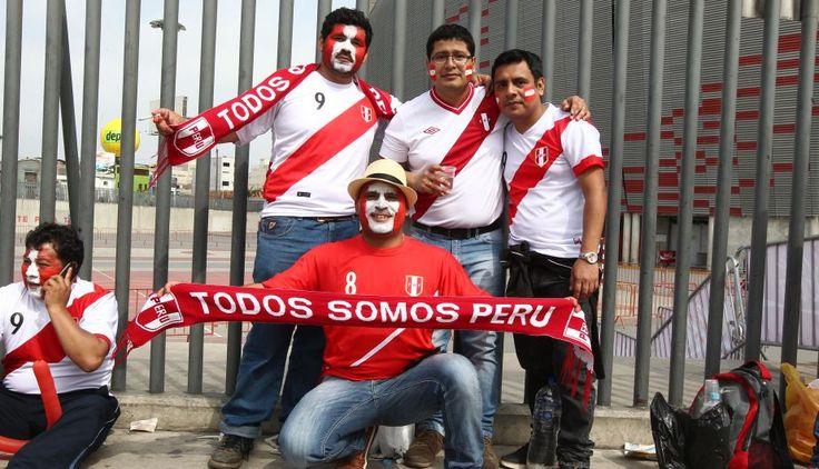 Perú vs. Chile: hinchas de la bicolor hacen la fiesta en las calles de Lima