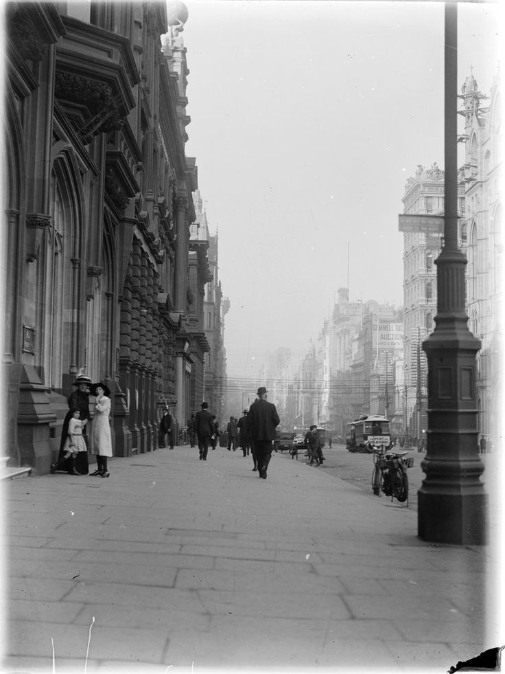 Collins Street, Melbourne, looking east towards Elizabeth Street circa 1910. Collection State Library Victoria.
