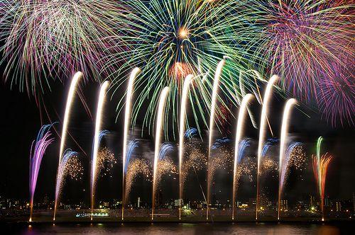 足立の花火大会 (ADACHI-KU FIREWORKS FESTIVAL)
