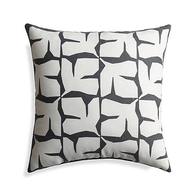 Outdoorpillowmodleaf20ins18 Outdoor Pillows Outdoor Cushions Pillows