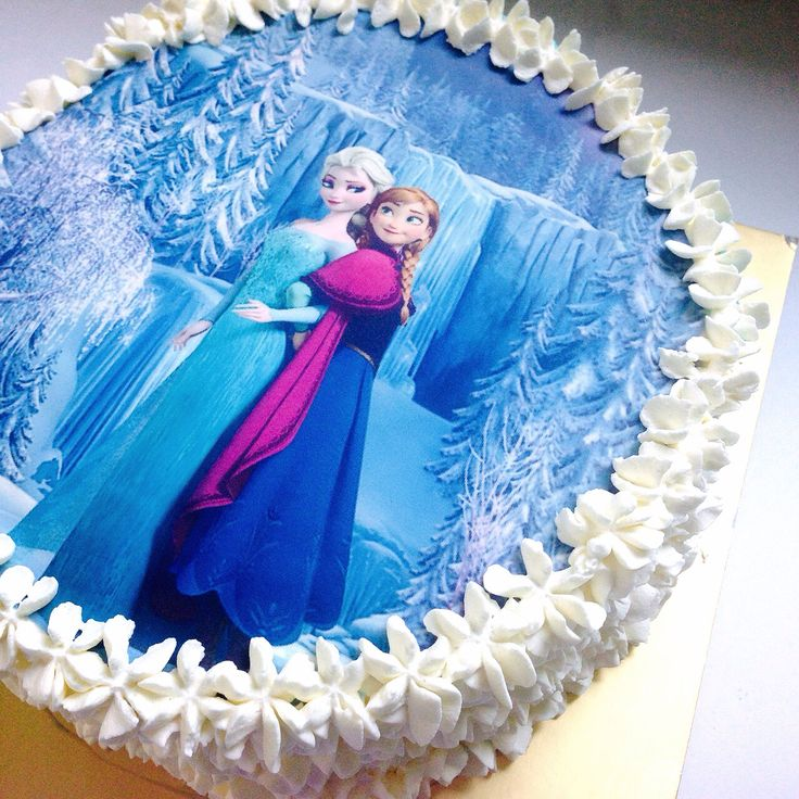 Frozen ~ birthday cake using icing sheet Madelyn s ...