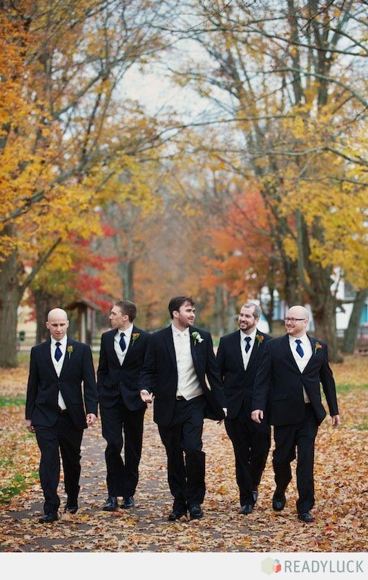 Fall wedding | Groomsmen