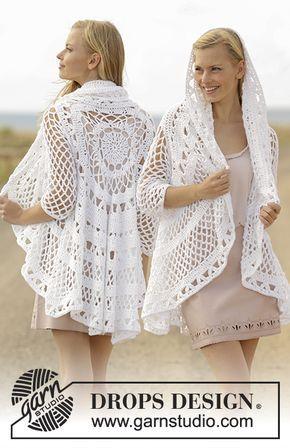 Gehaakt vest wordt in een cirkel gehaakt met kantpatroon van DROPS Paris. Maat: S - XXXL Gratis patronen van DROPS Design.