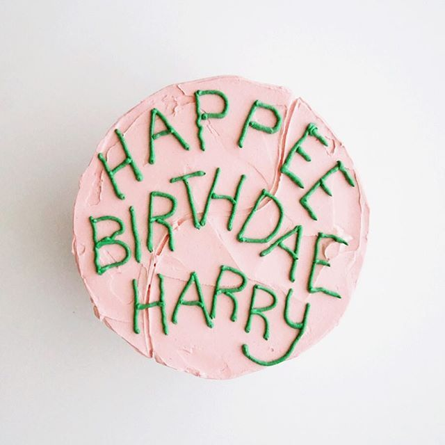 """⚡️HAPPEE BIRTHDAE HARRY⚡️ Hagrid's classic chocolate cake is available by the slice today! See our entire menu below, we're celebrating Harry Potter's birthday today with lots of magical items! • Maca""""Ronald Weasley's"""" (butterbeer, salted caramel, cookie dough, birthday cake Oreo, sour cherry blaster, brownie batter, cotton candy, dunkaroo, fuzzy peach, rose, piña colada, London fog) • """"Dumbledore""""o's (cookies and cream, s'mores, dark chocolate covered peanut butter) • Cupcakes (golden…"""