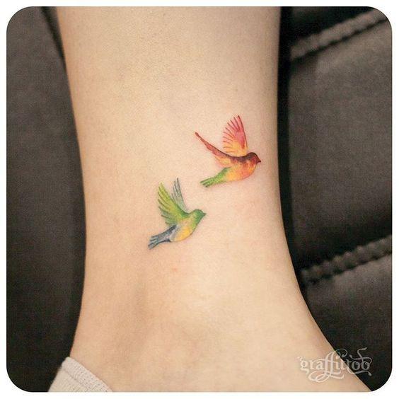 Las 25 mejores ideas sobre tatuaje de golondrina en for Significado de minimalista