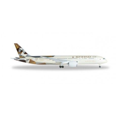 NUEVO, mas info: http://www.maqualas.cl/es/aviones-a-escala-1500/437-boeing-787-9-dreamliner-etihad-4013150345606.html