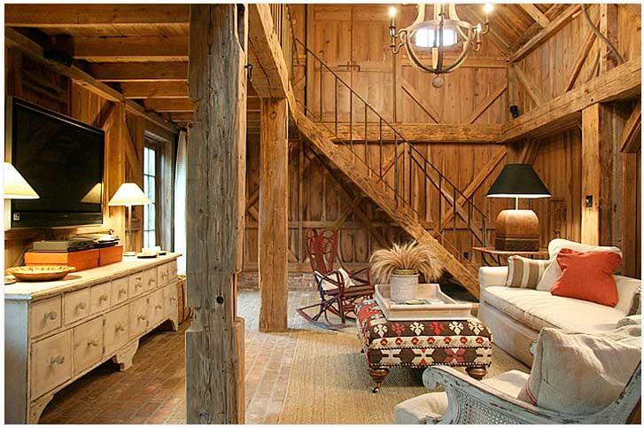 Kurt likes the log cabin homes that are all over the place in Indiana. I wouldn't mind ending up in one if it was as nice as this...: Barns Living, Living Rooms, Logs Cabin Homes, Children'S Renovation, Pole Barns, Barns Conver, Barns House, Old Barns, Barns Homes