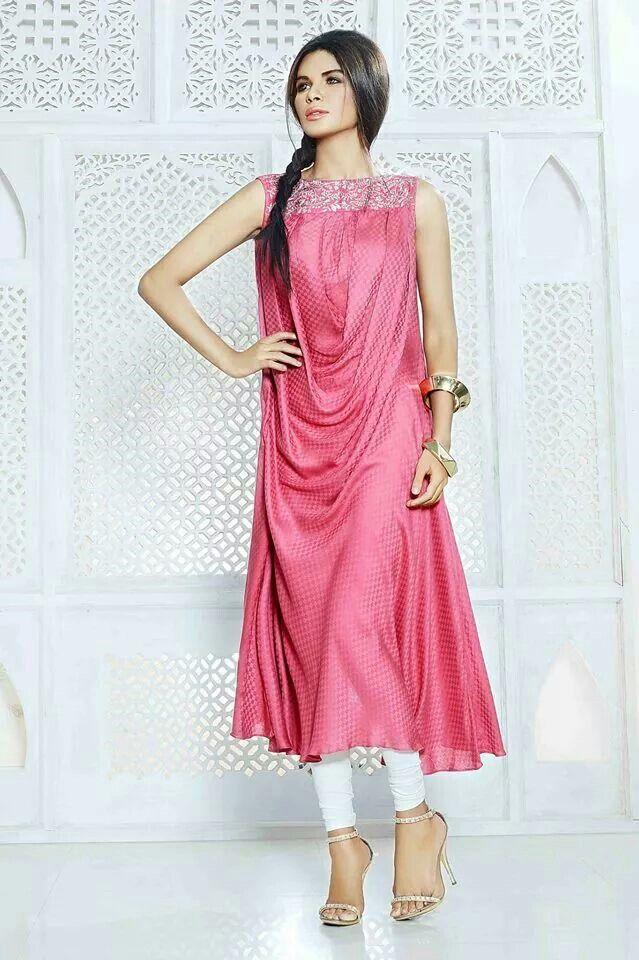Pakistani Fashion. Pinned by Zartashia.