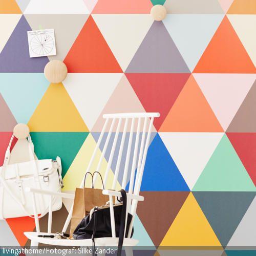 Ob grafisch, verspielt oder floral – toll sind diese Tapeten für alle. Bleibt nur die Frage: Welche ist denn nun die schönste Tapete an der ganzen Wand?  Fotos: …