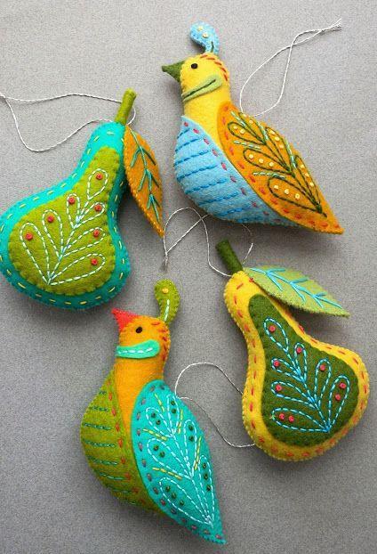 Pássaros bordados