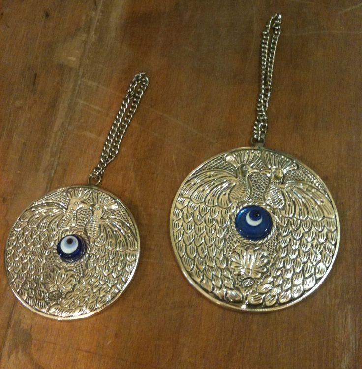925 ayar Gümüş, üzerinde çift tavuskuşu bulunan Gümüş aynalarımız .. #gümüş #gumus #ayna #mirror #gümüşayna #gumusayna #silvermirror #nazarboncuk #evileye #hediye #gift #decor #dekor #homedecor #evdekoru #kına #kina #nikah #düğün #dugun