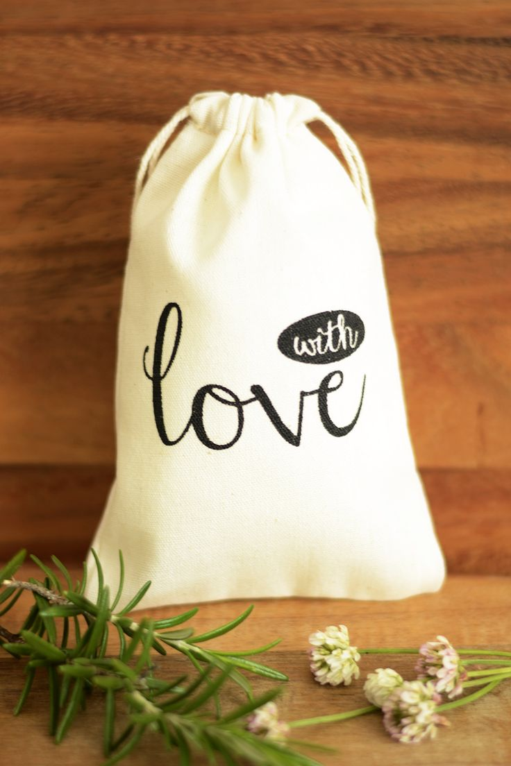 With Love Wedding favour bags, wedding favor bags, muslin favor bags, small muslin bags, thank you bags, wedding gift bags, muslin pouches, wedding favour pouches