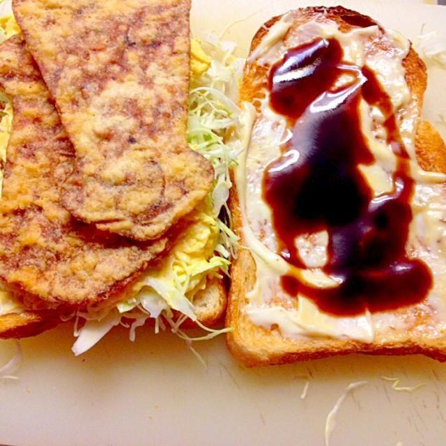 この間から作っている、なんちゃってハムカツ玉子サラダのサンドイッチ。 旦那もアリで美味しいと言ってました。 又食べたいらしいです。 - 130件のもぐもぐ - なんちゃってハムカツ風玉子サラダのサンドイッチ作る途中 by まいり