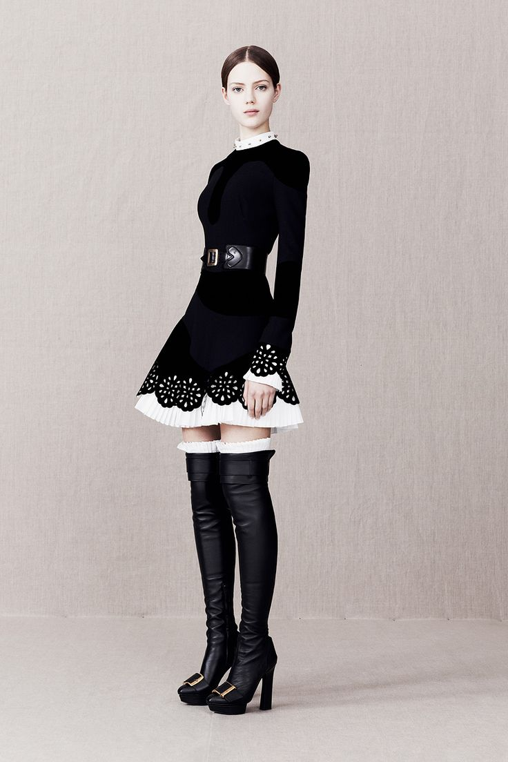 Alexander McQueen Pre-Fall 2013 - Review - Fashion Week - Runway, Fashion Shows and Collections - Vogue - Vogue