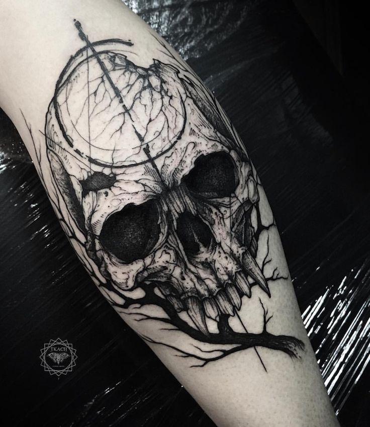 tatouage tete-de-mort black-work superbe
