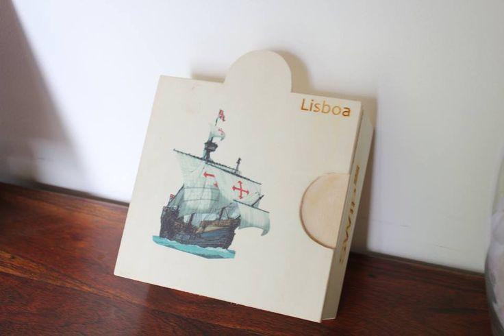A Box Caravela é a caixa ideal para amantes de pastéis de Belém, uma oportunidade única para obterem uma recordação de Lisboa, seja a nível de sabor (graças ao pastel) como a nível físico! Esta caixinha é muito especial, adquire já uma! =)