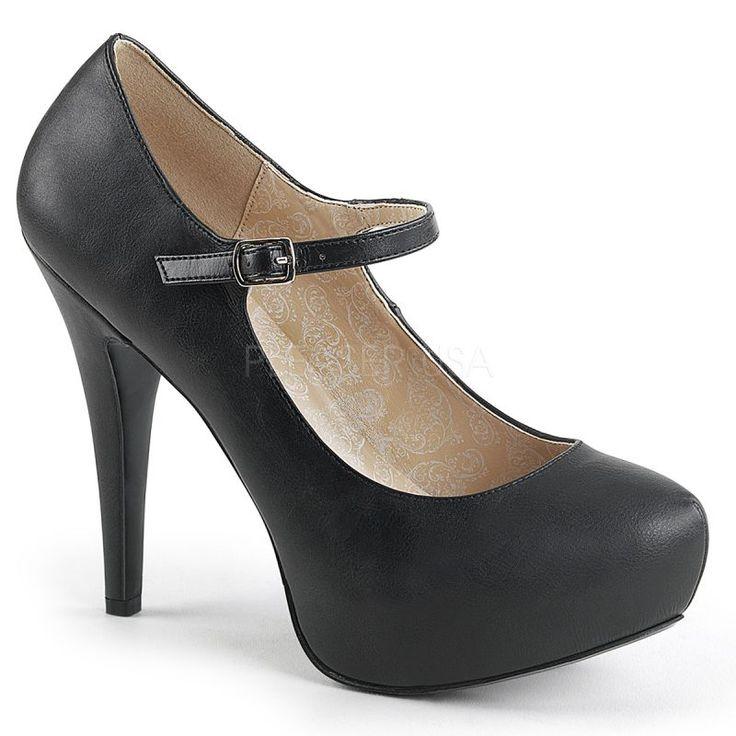 Grandes botas y zapato de mierda