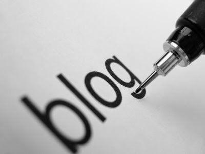 Cách 1: Dùng blog như nguồn cung cấp dữ liệu cần thiết cho khách hàng Cách 2: Trả lời những câu hỏi chưa được trả lời Cách 3: Tìm những câu hỏi mà khách hàng của bạn đang thắc mắc