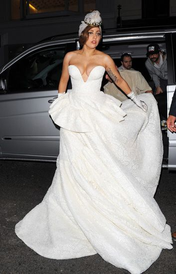 MTV Style | Lady Gaga Wears A Wedding Dress In London