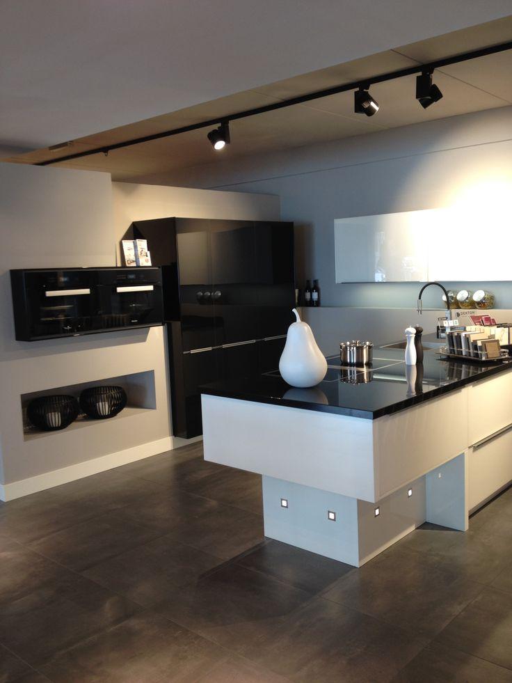 Meer dan 1000 idee n over modern kookeiland op pinterest scandinavische keuken hedendaagse - Keuken kookeiland ontwerp ...