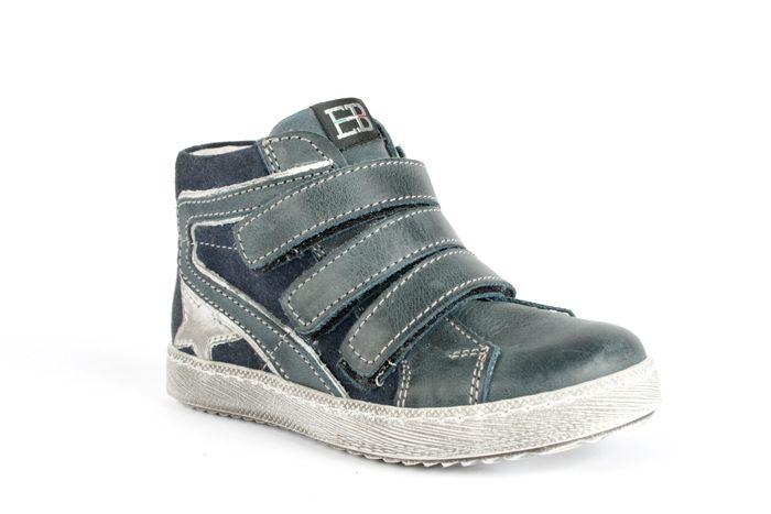 Una calzatura di qualità ed alla moda pensata per la salute del piede del vostro bimbo!