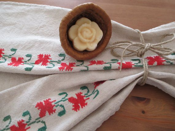 91. Vintage linen pure flax linen hand embroidered towel