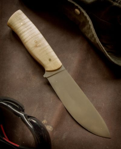 Big knife with maple