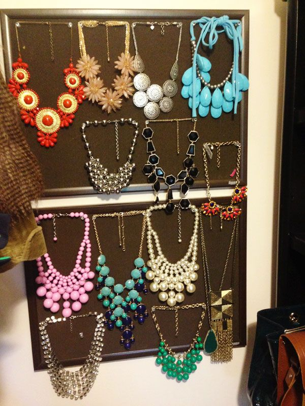 jillgg's good life (for less) | a style blog: casa good life: my (updated) closet! (how to organize your necklaces in your closet.) #organizedcloset #organizedjewelry #organizednecklaces
