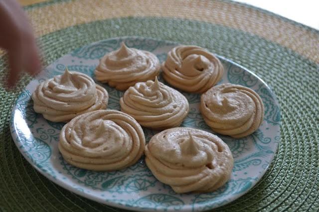 Yummy Brown Sugar Meringue Cookies | Desserts | Pinterest