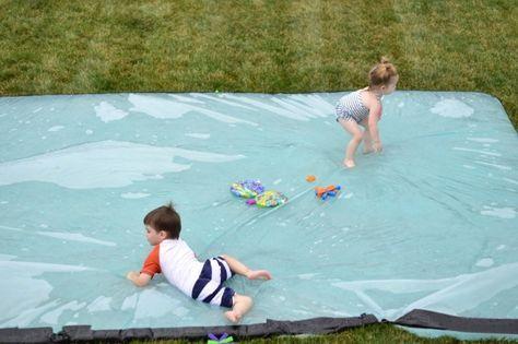 Spielspaß Kinder Garten Ideen Wasserrutsche aus Folie