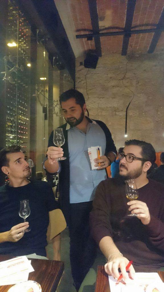 La dernière dégustationduSpirits Social Club de l'année 2016 s'est déroulée le samedi 30 octobre. Cette dernièresession, sous le signe du bon goût et de la bonne humeur, c'est déroulée au restaurant/bar le Point Rouge à Bordeaux. Pour ceux qui ne connaissent pas (encore) ce lieu, il s'agit tout simplement du «meilleur» endroit sur Bordeaux pour …