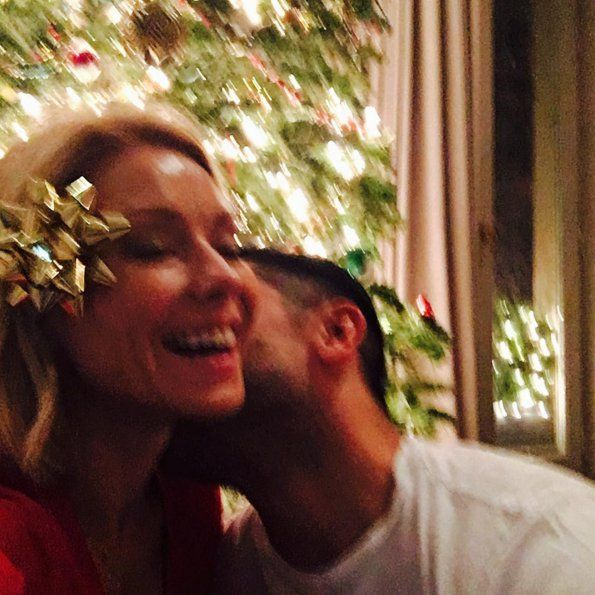 """Pin for Later: Kelly Ripa and Mark Consuelos Share Such Sweet and Hilarious Family Photos  """"Naughty and nice. ⛄️"""""""