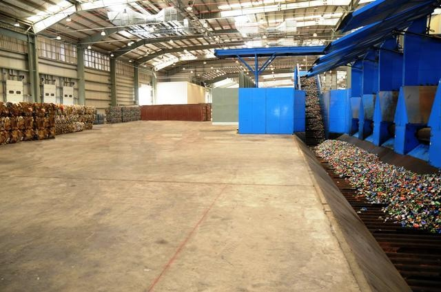 Bee'ah's Material Recovery Facility in SharjahRecovery Faciles, Beeah Materials, Materials Recovery, Bees Ahs Materials