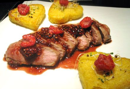 Magret de canard, sauce framboise