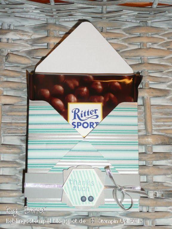 Ritter SPORT box envelope punch board Die Ritter-Sport-Tafel ist 9,5 x 9,5 x 1,7cm. Das ergibt eine Papiergröße von 17,8 x 17,8cm. Falzen und stanzen dann bei 7,7cm und 10,1cm.