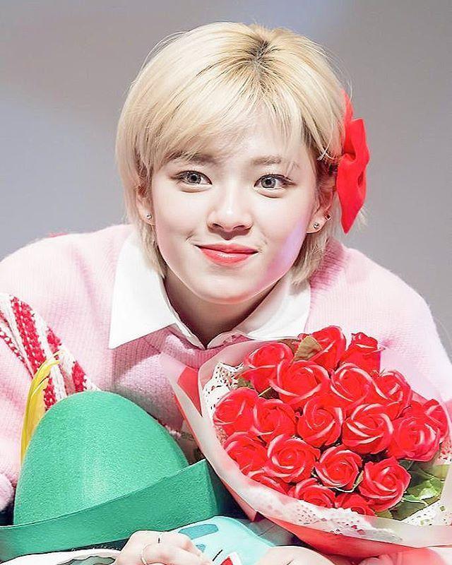 i love jeongyeon like what a babe