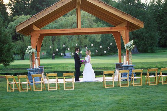 Mt. Hood, Oregon wedding venues: The Resort at the Mountain's Customizable Wedding Packages