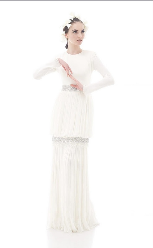 Perfect dress by Rizalman for an engagement or solemnization ceremony.