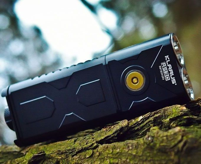 The RS30 looks just awesome outside! It's still a favorite flashlight today  #klarus #flashlight #edc #led #tactical #tacticalgear #everydaycarry #outdoors #camping #hunting #hiking #like4like #outdoorlighting #awesome #liveauthentic #picoftheday #goprepared #prepared #greatoutdoors #backpacking