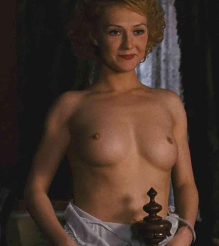 carice van houten boobs