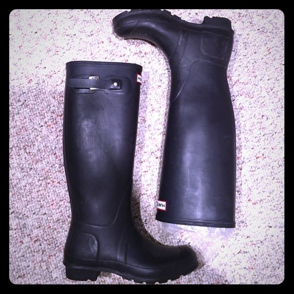 "Women's Hunter Boot Original Tall Rain Boot Hunter Boot Women's Original Tall Rain Boot. Actual color is dark purple matte but appears black. 16"" shaft height. 14.5"" shaft circumference. Like new. Worn once. Hunter Boots Shoes Winter & Rain Boots"