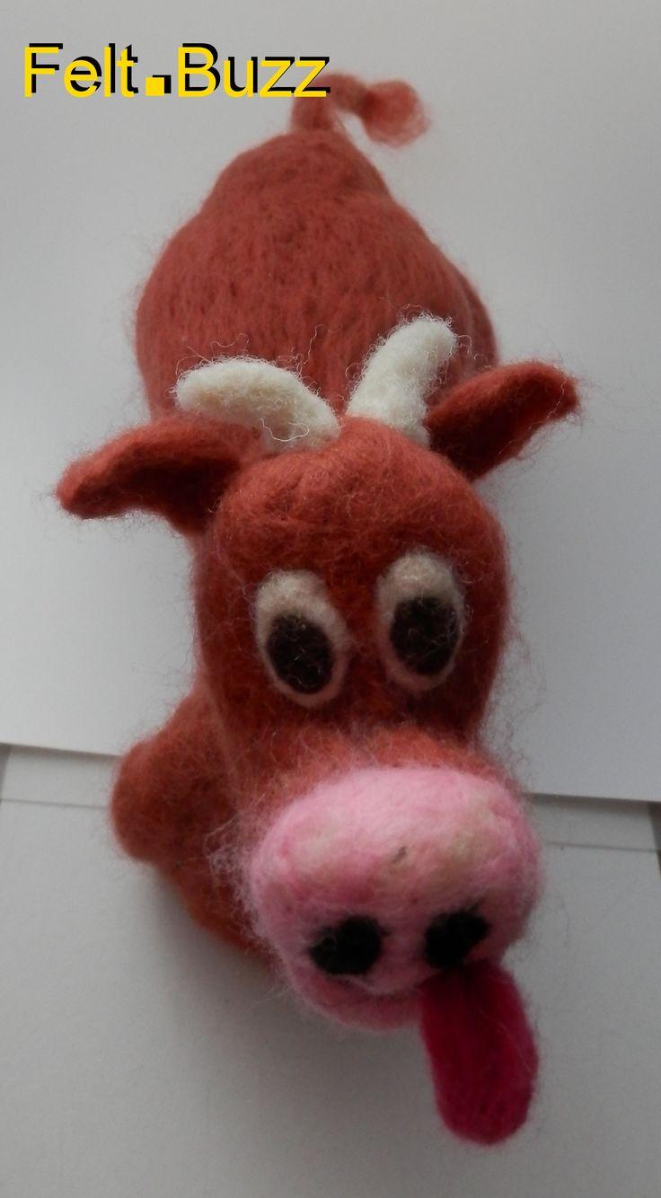 Une vache limousine en feutre fait main en Limousin! A felt limousin cow handmade in Limousin! Felt.Buzz
