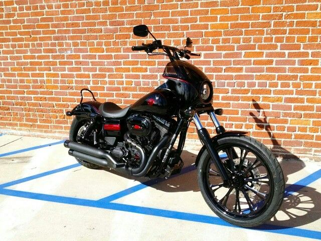 Kurt Sutter's club style wide glide