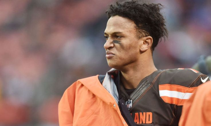 Hue Jackson says he will stick with DeShone Kizer = Another week, another questionable performance by Cleveland Browns rookie quarterback DeShone Kizer. Kizer completed 16 of his 32 passing attempts for.....