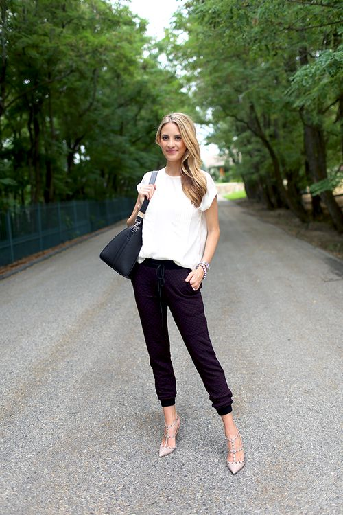 Casual white t-shirt and black relaxed black pants!