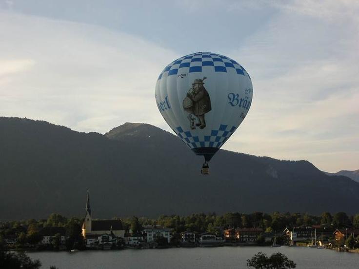 Der Buzi-Ballon über der Rottacher Bucht    http://www.facebook.com/Braustuberl