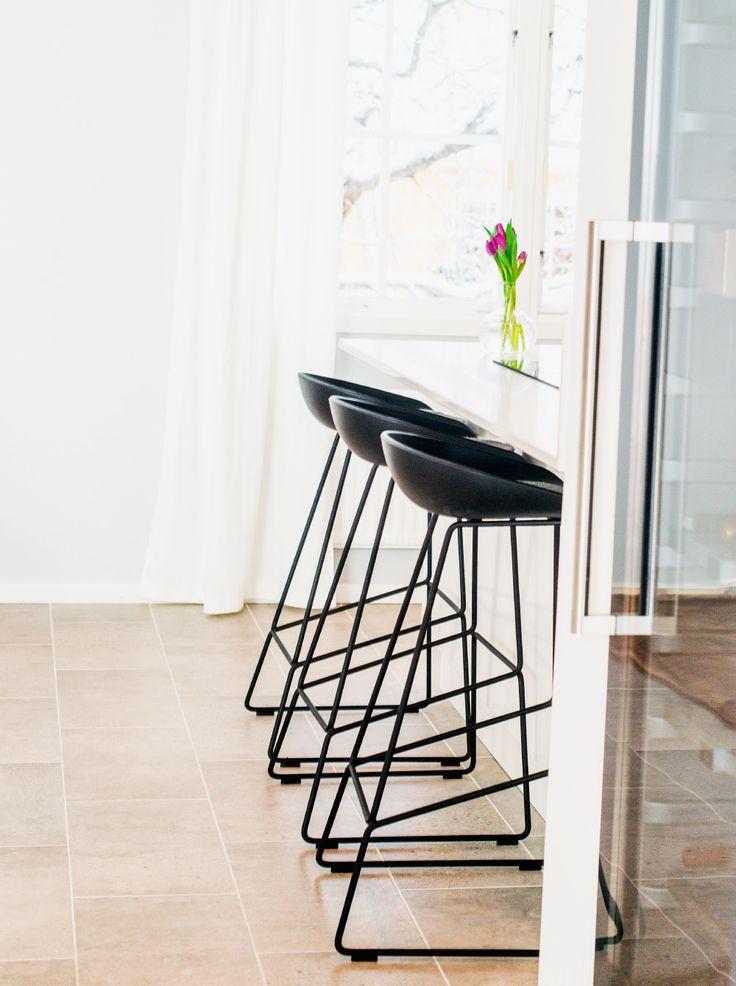 Hay bar stool