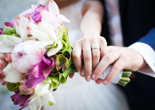Η ψυχολογία πίσω απ' τα δώρα του γάμου - http://ipop.gr/themata/eimai/psychologia-piso-ap-ta-dora-tou-gamou/