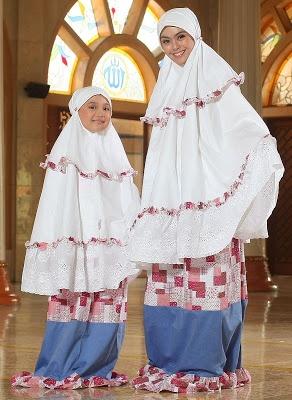 Mukena Irys - Bahan katun. Warna ungu, biru dan merah. $38.00 on Dzakirah boutique